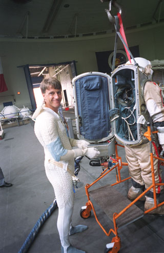 nasa space suit design waste collection - photo #48