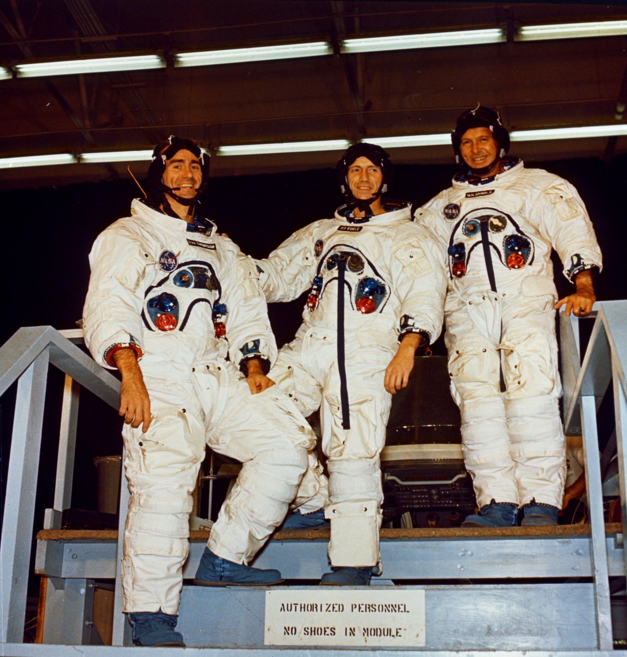 NASA ENGRAVED NAMEPLATE FOR PHOTO//DISPLAY APOLLO 7