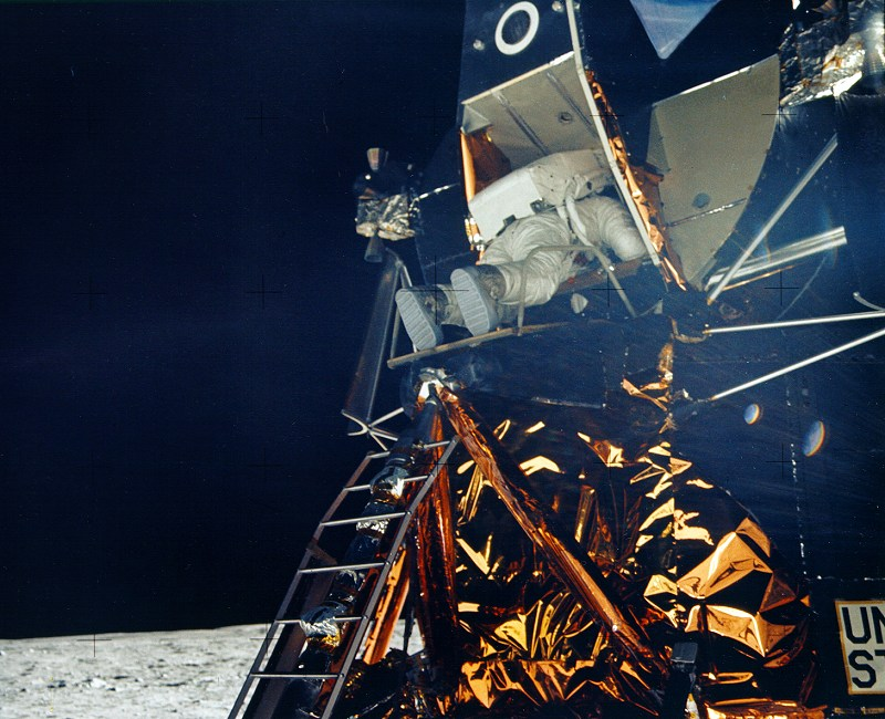 Apollo 11 image gallery for 20 40 window missions