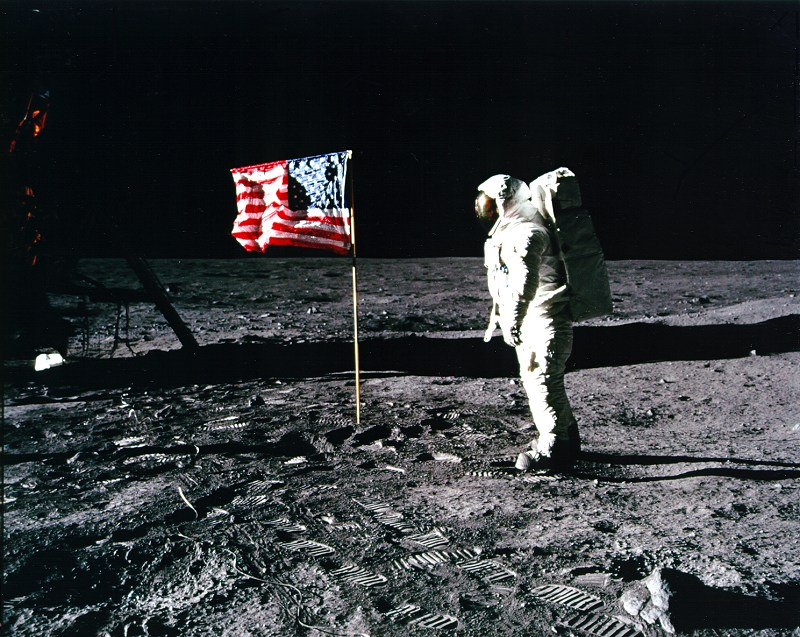 neil armstrong first astronaut on the moon - photo #16