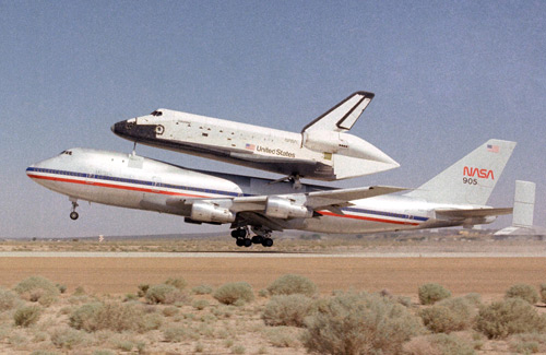space shuttle on 747